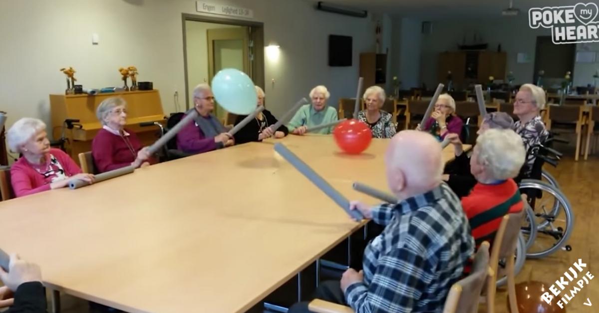 Iets Nieuws Ouderen en ballonnen: het is een vermakelijke combinatie! &NG17